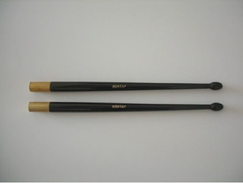 Par de baquetas tambor de gala negras HONSUY modelo 34100