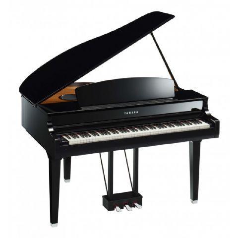 Piano digital YAMAHA modelo CLP-695GP