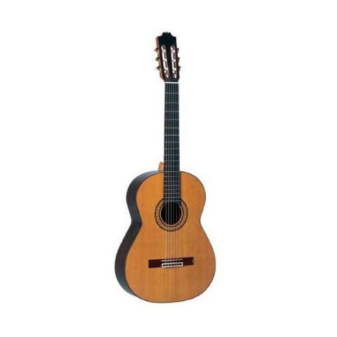 Guitarra clásica ADMIRA modelo ARTISTA