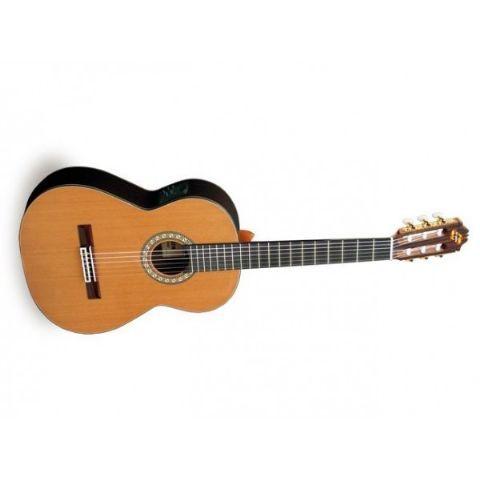 Guitarra clásica electrificada ADMIRA modelo SOLEDAD E