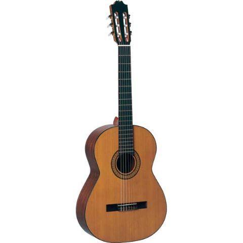 Guitarra clásica ADMIRA modelo SOLISTA