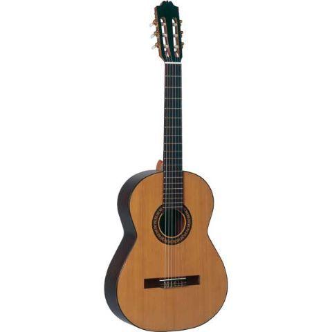 Guitarra clásica ADMIRA modelo VIRTUOSO