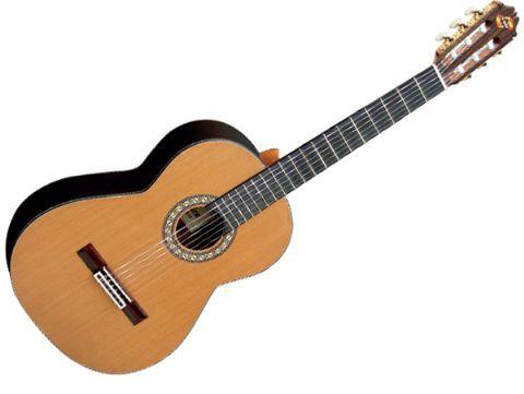 Guitarra clásica ADMIRA modelo SOLEDAD
