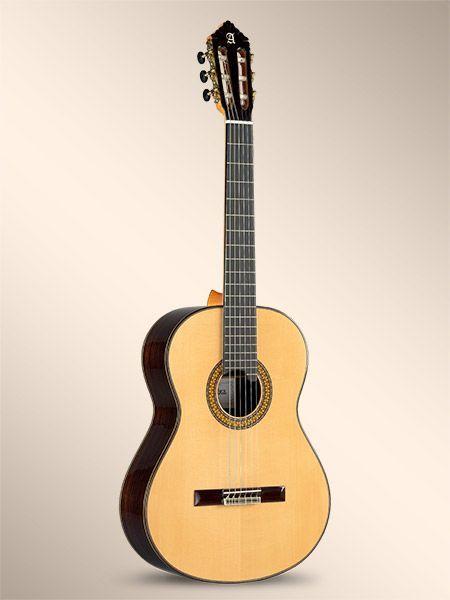 Guitarra clásica ALHAMBRA modelo 11P