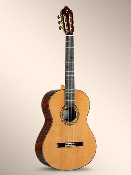 Guitarra clásica ALHAMBRA modelo 9P