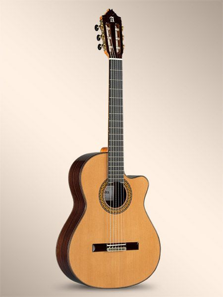 Guitarra Cut.Away ALHAMBRA modelo 9 P-CW-E2
