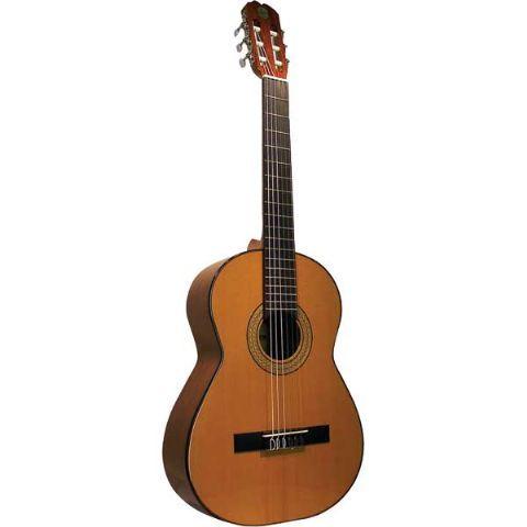 Guitarra clásica ADMIRA modelo FIESTA