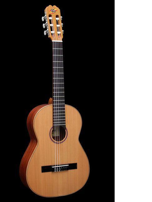 Guitarra clásica ADMIRA modelo INFANTE