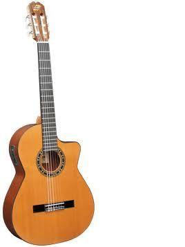 Guitarra clásica electrificada ADMIRA modelo MALAGA EC