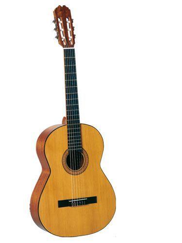 Guitarra clásica ADMIRA modelo ROSARIO