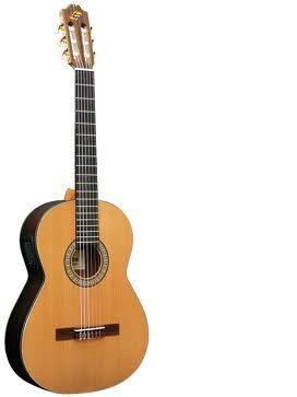 Guitarra clásica electrificada ADMIRA modelo VIRTUOSO E
