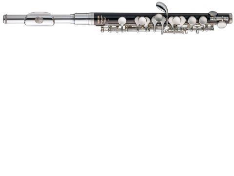 Flautín YAMAHA modelo YPC 32